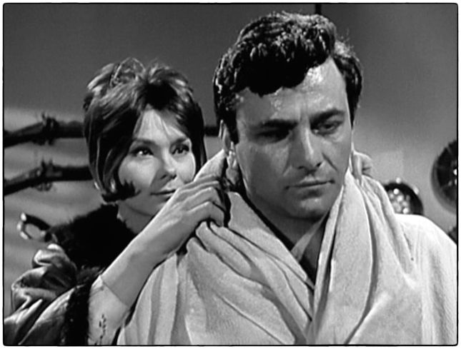 MACHA MÉRIL ET PETER FALK