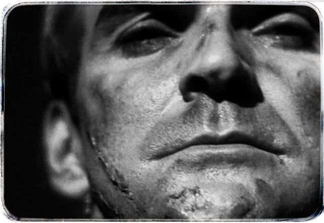 STANLEY BAKER (1928-1976), ACTEUR ANGLAIS À LA RICHE CARRIÈRE QUI DISPARUT PRÉMATURÉMENT.