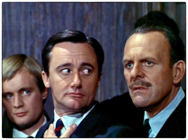 DAVID McCALLUM, ROBERT VAUGHN ET TERRY-THOMAS