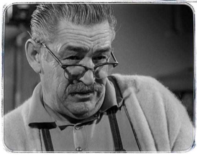 TED DE CORSIA (1905-1973), SECOND RÔLE DES ANNÉES 50 ET 60, BEAUCOUP EN GANGSTER ET EN... INDIEN.